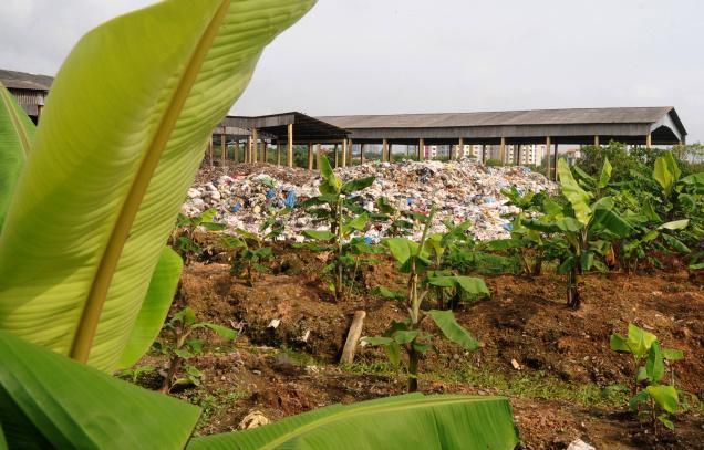 Débat: enfouir ou incinérer nos déchets ?