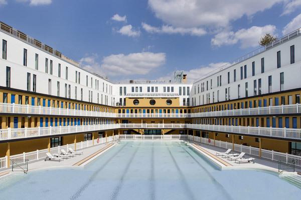 Piscine Molitor : le luxe en maillot de bain