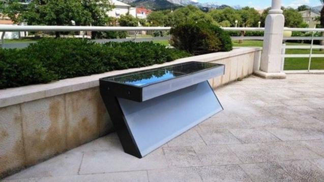 Le banc Solarna e-klupa