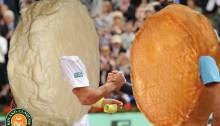 Roland Claquos, ou la parodie de Roland Garros en mode fromage